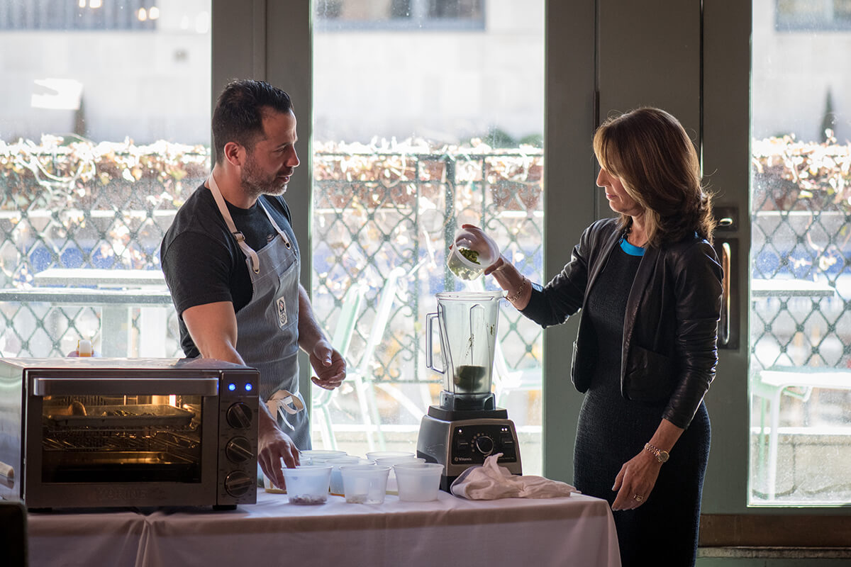 Todd Mitgang Hosts Cooking Demonstration